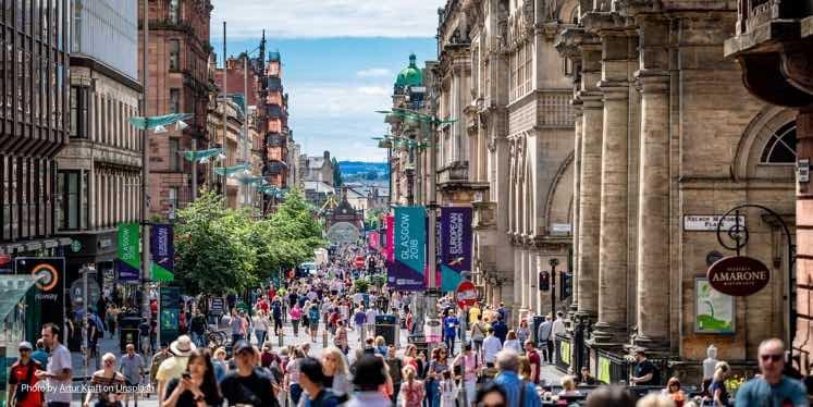 UK-scotland-street-scene