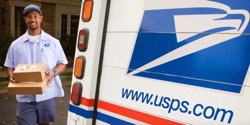 USA-mail-USPS-carrier