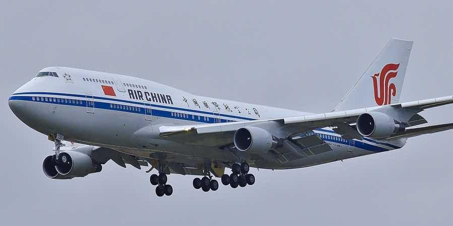 air-china-plane-landing