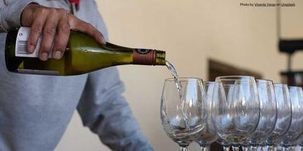 chile-Undurraga-Wine-pour