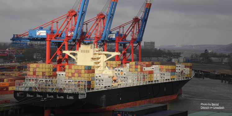 jet-freight-container-ocean-ship