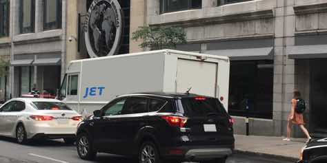 montreal_jet_delivery