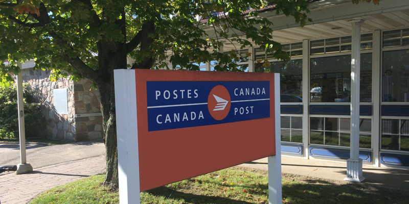 poste-Canada-post-office