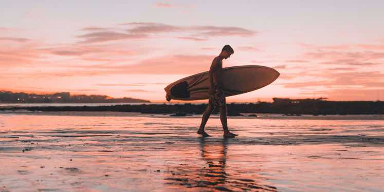costa-rica-surfer